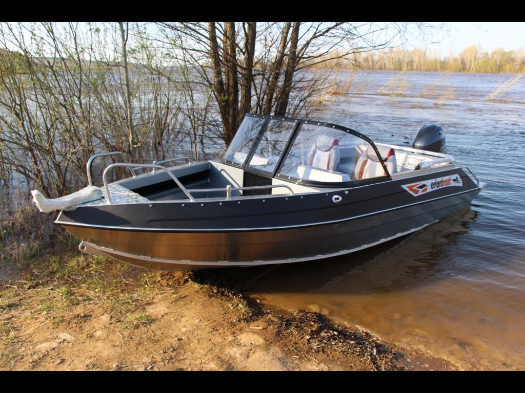 Алюминиевая лодка Orionboat 48Д двухконсольная, с промежуточными ветровой форточкой.