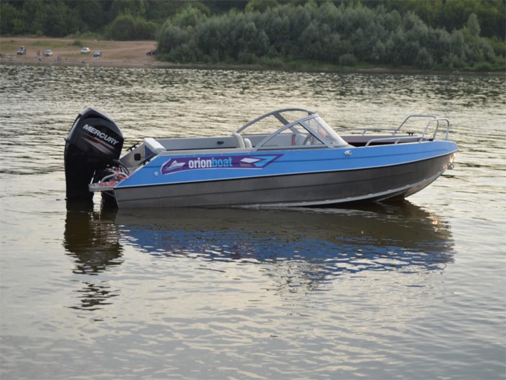 Алюминиевая лодка Orionboat 48ДУ двухконсольная, с промежуточными ветровой форточкой