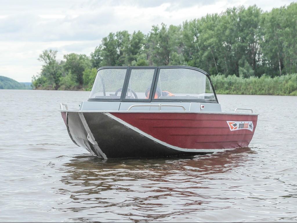 Алюминиевая лодка Orionboat 46 Fish (Орионбоат 46 фиш)двухконсольная, с промежуточными ветровой форточкой