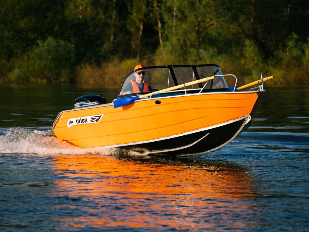 Купить Алюминиевую лодку Orionboat 51Д двухконсольная, с промежуточными ветровой форточкой