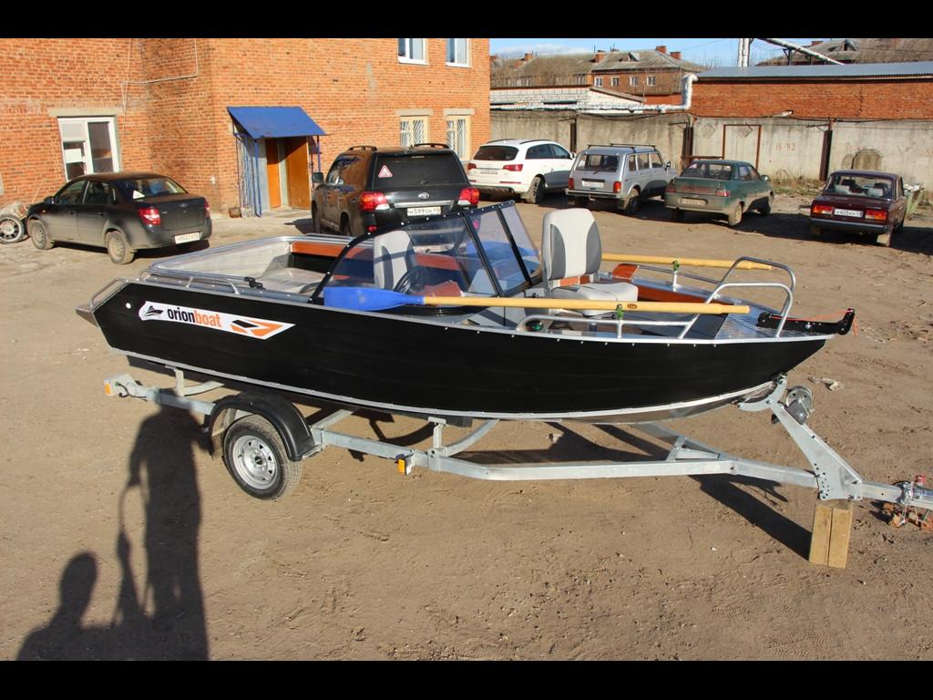 Алюминиевая моторная лодка Orionboat 49 Fish - двух-консольная с промежуточной форточкой