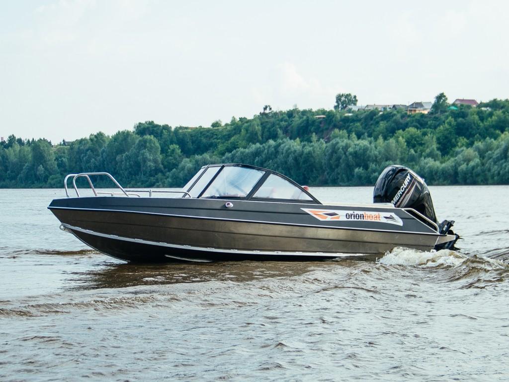 Алюминиевая лодка Orionboat 49Д двухконсольная, с промежуточными ветровой форточкой